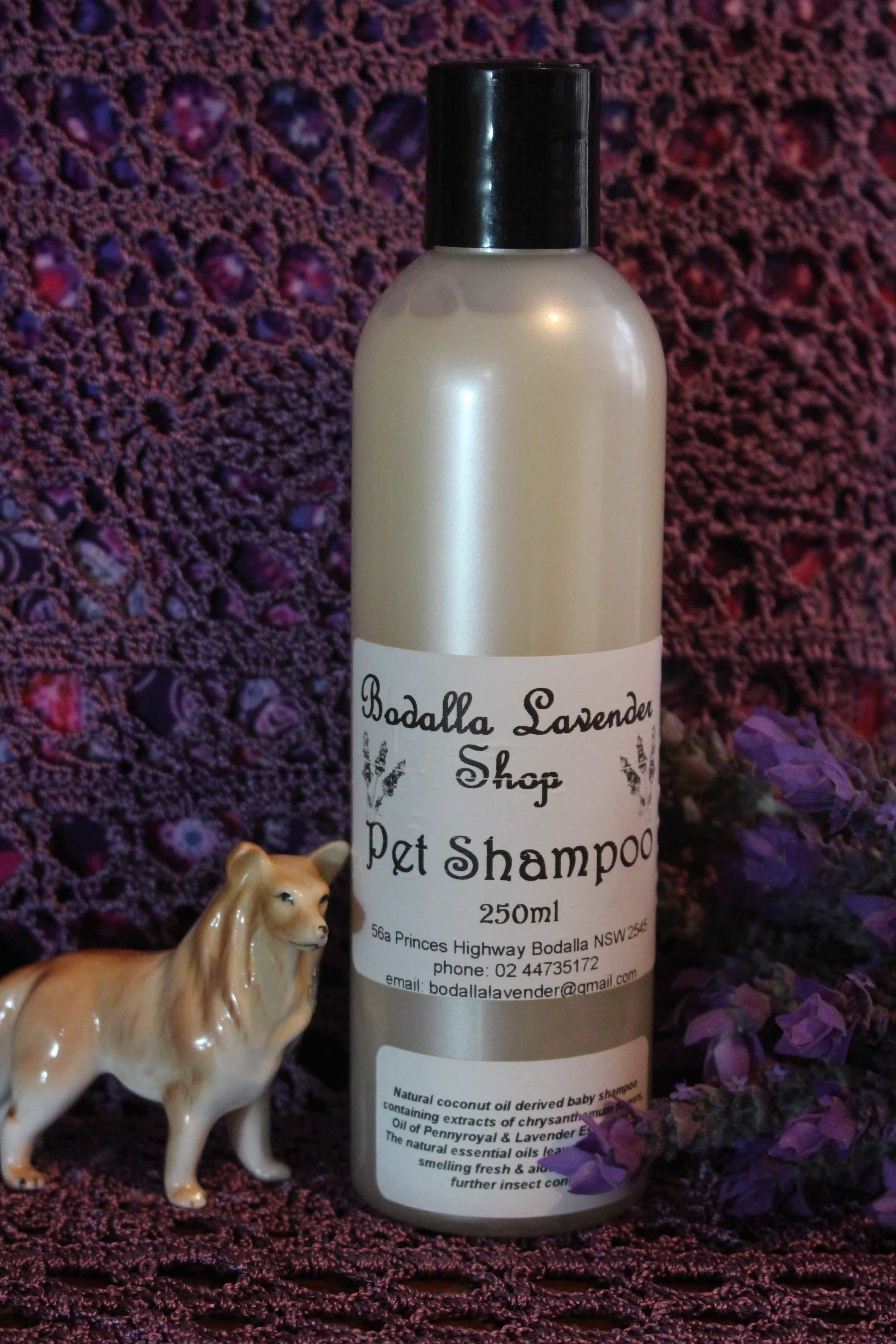 Photograph of an Lavender Pet Shampoo 250ml product